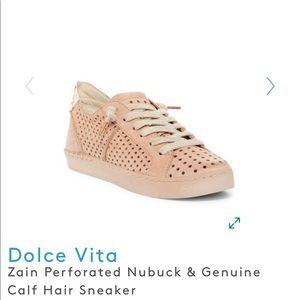 Dolce Vita Zain sneakers 7.5 Very good condition.